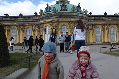 Hannah und Lukas am Schloss Sanssouci 2015