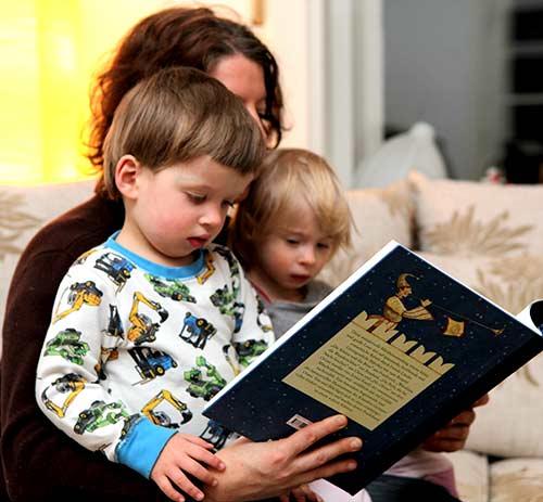 Tante Melle liest Geschichten vor